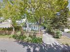HUD Foreclosed - Single Family Home - Lake Ronkonkoma