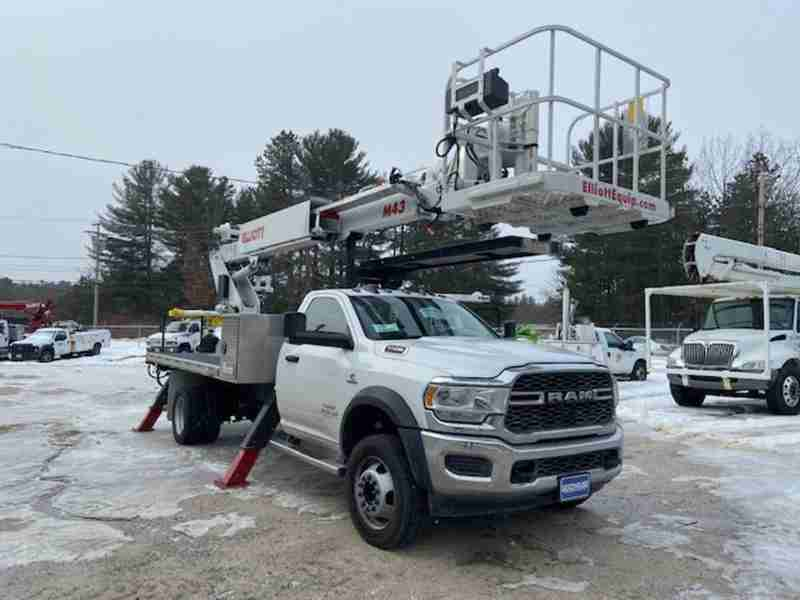 2019 Elliott M43R Sign Lighting Truck Working Height 48'