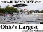 2016 Angler Qwest 818 Fish N Cruise