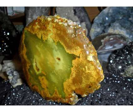 Succor Creek Thunderegg Green Moss Opal Blue/Green Agate is a Blue, Green Collectibles for Sale in New York NY