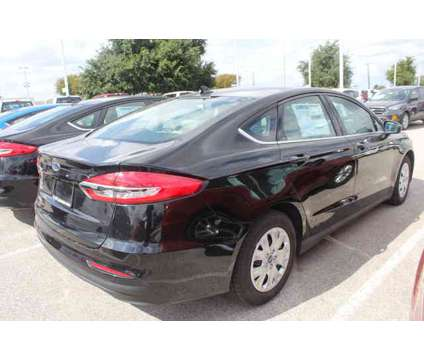 New 2020 Ford Fusion FWD is a Black 2020 Ford Fusion Car for Sale in San Antonio TX