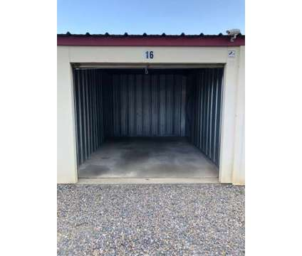 10x15 Storage Unit / Storage Garage - Belongings, Motorcycles, Boats in Orwigsburg PA is a Garage