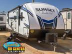 2020 CrossRoads Sunset Trail 289QB 32ft