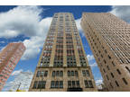 Chicago One BA, This spacious 1 BR condominium in a