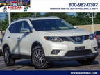 2016 Nissan Rogue White, 21K miles