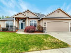 Wonderful Single Level Home in Sought After W. Eugene Location