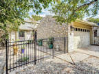 Townhouse, Traditional - Kerrville, TX