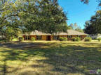 Hammond, This beautiful brick home is 3 BR 2 BA and