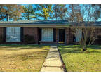 Alexandria, Take a look at this cozy 3 BR, 2 BA home