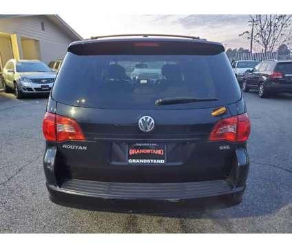 2009 Volkswagen Routan for sale is a Black 2009 Volkswagen Routan Car for Sale in Kennewick WA
