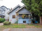 Portland 3 BR 1 BA, A gem in the heart of Richmond w/ tons of