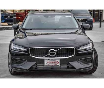 2020 Volvo S60 Momentum is a 2020 Volvo S60 2.4 Trim Car for Sale in Barrington IL