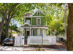 Charleston Three BR Three BA, GREAT Historic home just steps away from