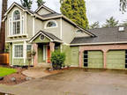 Wonderful 2-Story Home in Sought After Sheldon Location!