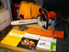 """Stihl MS 290 Farm Boss 18"""" Gas Chainsaw with Case and Manual"""