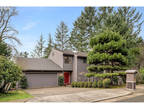 Lake Oswego 3 BR 2.5 BA, OPEN SAT1-3. Pristinely maintained NW