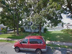 Single Family Home in Trenton from HUD Foreclosed