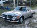 1986 Silver Mercedes-Benz 560