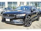 2020 Onyx Black Volvo V60 Cross Country