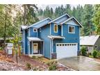 Bellingham Three BR 2.5 BA, Beautifully Craftsman style home!