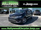 2018 Chrysler Pacifica Black, 44K miles