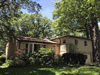 Northbrook 4 BR 2.5 BA, Updated bright and spacious