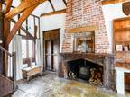 Six BR Detached House For Sale In Brentwood, Essex