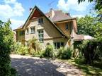 Seven BR Property For Sale In Winchester, Hampshire