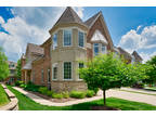 147 Roundtree CT Bloomingdale, IL