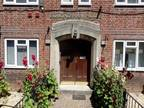 One BR Flat For Sale In Bournemouth, Dorset