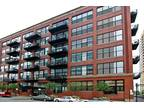 Chicago One BR One BA, Rarely available, west facing