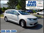 2017 Chrysler Pacifica Hybrid White, 45K miles