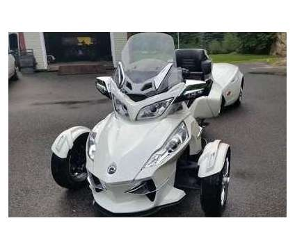 2015 Can Am Spyder Touring RT is a 2015 Can-Am Spyder Motorcycles Trike in North County MO