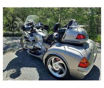 2003 Honda Gold Wing Trike is a 2003 Honda H Motorcycles Trike in Jersey Village TX