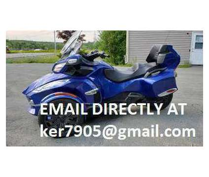 2017 Can Am Spyder RT SE6 Limited Blue Low Miles Trike is a Blue 2017 Can-Am Spyder Motorcycles Trike in East Lynn MA