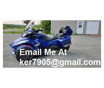 2012 Can Am Spyder Roadster RT is a 2012 Can-Am Spyder Motorcycles Trike in Chicago IL