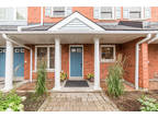 Desirable 2 bdr ground floor unit in Parkwood Vlg
