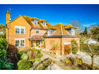 Five BR Detached House in Streatley on Thames for rent