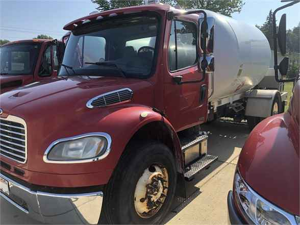 2010 Freightliner Business Cla