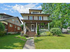 Attractive character home steps from the falls and minutes to all the Niagara