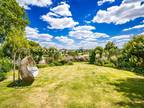 Five BR Detached House For Sale In Reading, Berkshire
