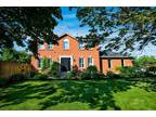 Executive 4+One BR Four BA Home,Large. Yard,Grt. Location,Mississauga