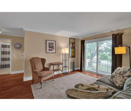 JUST LISTED! 530 Chase Dr. Unit 16 Clarendon Hills, IL - 2 Bed, 1.5 Bath Condo at 530 Chase Dr. Unit 16 Clarendon Hills, Il 60514 in Willow Springs IL is a Condo