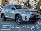 2019 Toyota Highlander LE AWD 8 PASS $269B/W /w Backup Cam, 8-Seater