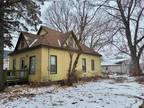 Home For Sale In Waterloo, Iowa