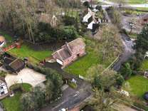 3 bed House - Detached