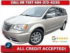 2014 Chrysler Town & Country Touring Minivan 4D