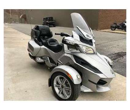 2011 Can Am Spyder RT SM5 is a 2011 Can-Am Spyder Motorcycles Trike in Portland OR