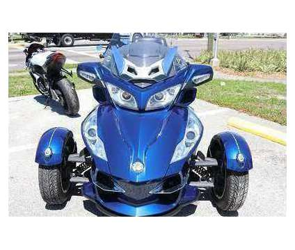 2015 Can Am Spyder RT Great Gear is a 2015 Can-Am Spyder Motorcycles Trike in Lincoln NE