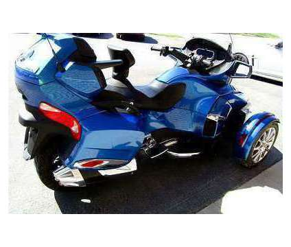 2018 Can Am Spyder RT Limited is a 2018 Can-Am Spyder Motorcycles Trike in Milford NH